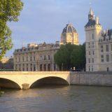 Pariz: O tri mosta i dva spomenika 12