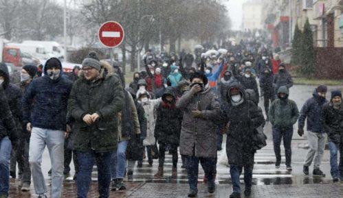 Hiljade Belorusa demonstrira protiv Lukašenka, više od 180 uhapšenih 2
