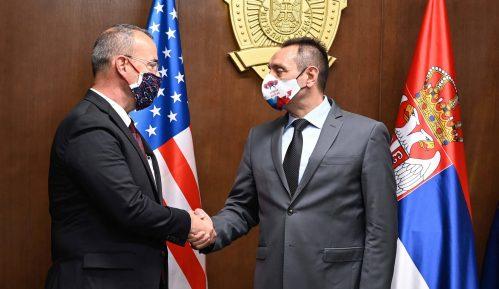 Ministar Vulin zahvalio ambasadoru SAD: 'Godfri je rekao istinu, policija je bila uzdržana' 11