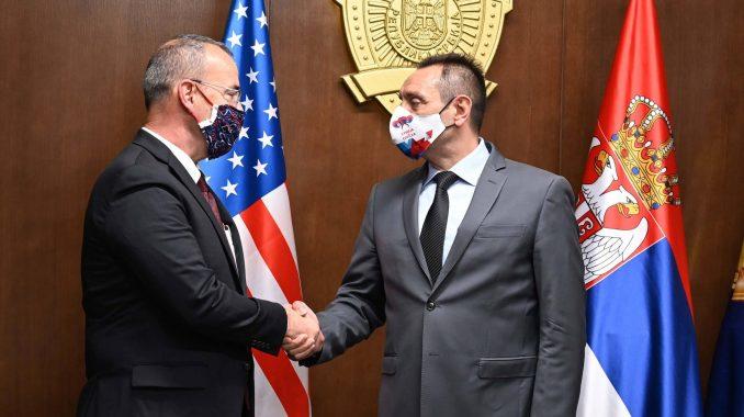 Ministar Vulin zahvalio ambasadoru SAD: 'Godfri je rekao istinu, policija je bila uzdržana' 2