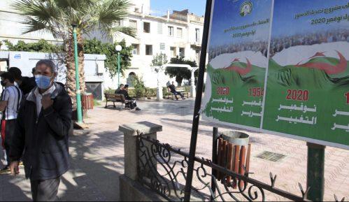 U Alžiru danas referendum za promenu ustava 6