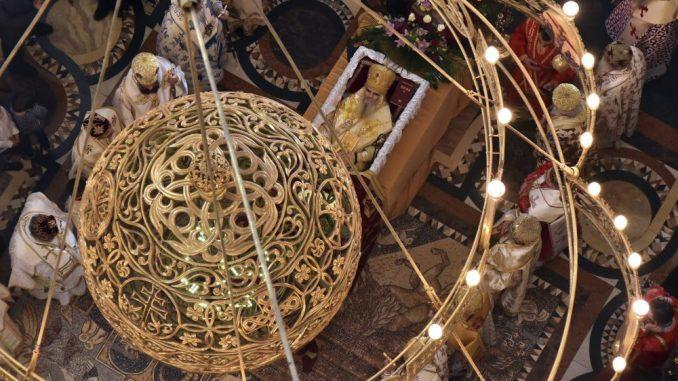 Mitropolija: Sam pomen Amfilohiju bez prisustva vernika, crkva otvorena tokom dana 1