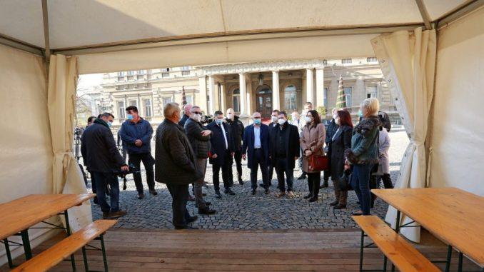 Grad Beograd obezbedio šatore-čekaonice za sve kovid-ambulante 1