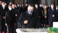 Patrijarh Irinej sahranjen u hramu Svetog Save (FOTO) 17