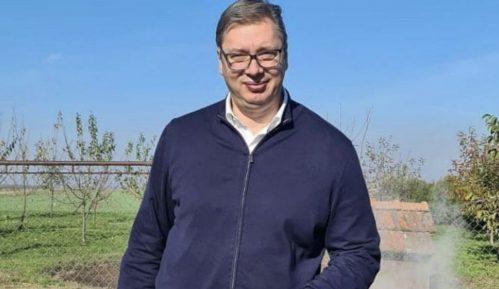 Pandemija ne sprečava Vučića da vodi kampanju 11