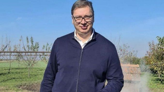 Pandemija ne sprečava Vučića da vodi kampanju 1