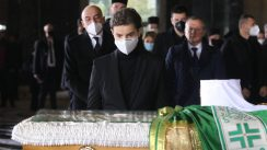 Patrijarh Irinej sahranjen u hramu Svetog Save (FOTO) 10