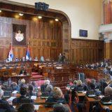 Nastavljena sednica skupštine, poslanici zabrinuti za porodicu Vučić 11