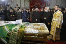 Kovčeg sa telom patrijarha u Hramu, kršenje svih epidemioloških mera (FOTO, VIDEO) 6