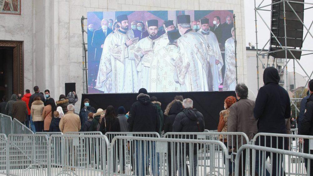Patrijarh Irinej sahranjen u hramu Svetog Save (FOTO) 2