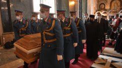 Patrijarh Irinej sahranjen u hramu Svetog Save (FOTO) 21
