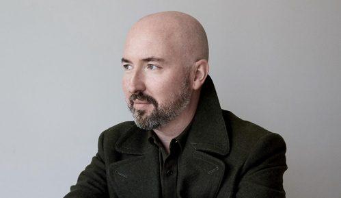 Daglas Stjuart: Modni dizajner pisac
