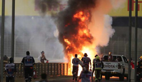 Već u prvom krugu prekinuta trka u Bahreinu, zapalio se bolid Hasa, vozač sa lakšim opekotinama 1