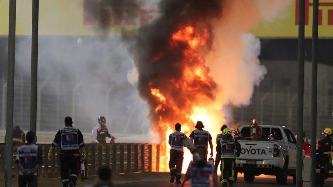 Već u prvom krugu prekinuta trka u Bahreinu, zapalio se bolid Hasa, vozač sa lakšim opekotinama 5