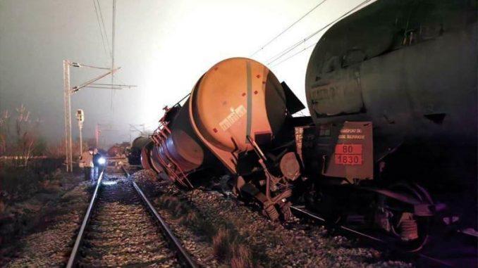 Narodna stranka: Javašluk uzrok za iskakanje vagon-cisterne i izlivanje sumporne kiseline 2
