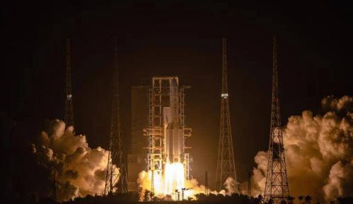 Kina uspešno lansirala sondu u prvoj kineskoj misiji za donošenje uzoraka sa Meseca 15