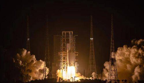 Kina uspešno lansirala sondu u prvoj kineskoj misiji za donošenje uzoraka sa Meseca 8