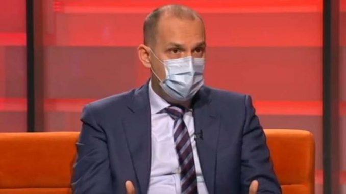 Ministar zdravlja Srbije primio kinesku vakcinu 1