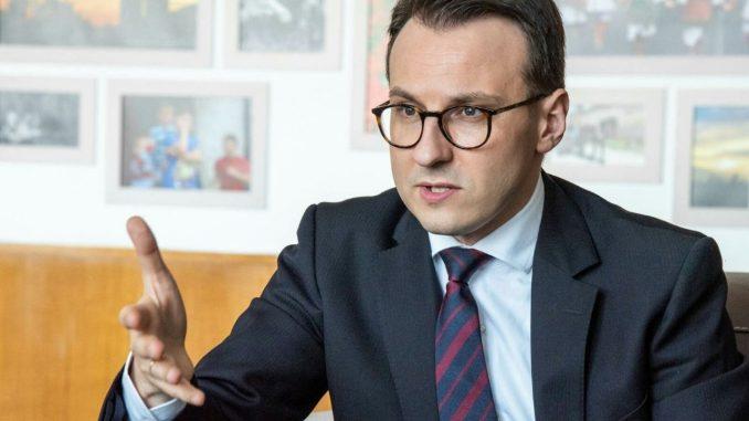 Direktor Kancelarije za KiM: Tužba Kurtija protiv Srbije neostvariva 3