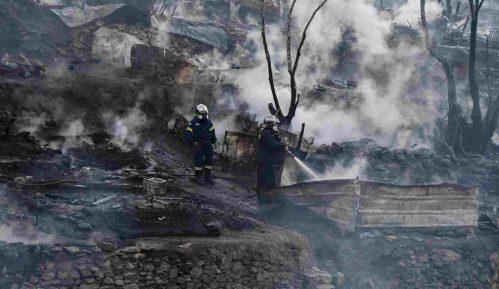 Požar u izbegličkom kampu na Samosu 13