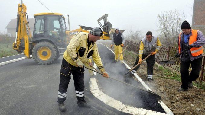 Vesić: Završavamo pristupnu saobraćajnicu za buduće groblje u Kaluđerici 1