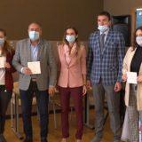 Turistička organizacija Budve novčano nagradila petoro srednjoškolaca 7