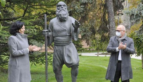 Skulptura slepog guslara posle 104 godine ponovo na Kalemegdanu 6