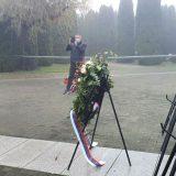Veran Matić položio venac na memorijalnom groblju u Vukovaru 13