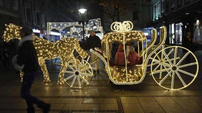 Uključena novogodišnja rasveta na 58 lokacija u Beogradu (FOTO) 6