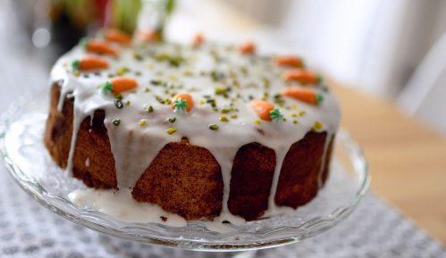 Kolač od šargarepe sa belom glazurom (recept) 4