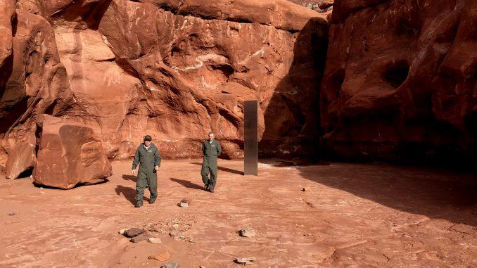 Tajanstveni blistav metalni monolit nađen u američkoj pustinji 1