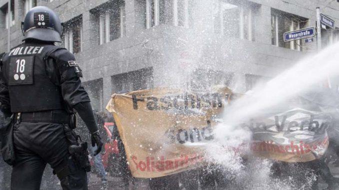 Novi protesti protiv nošenja maski u Nemačkoj 5