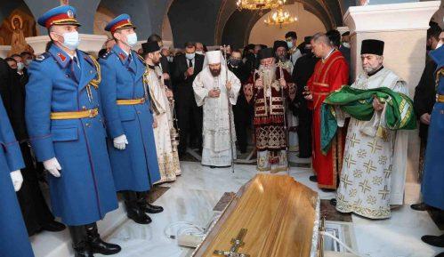 Patrijarh Irinej sahranjen u hramu Svetog Save (FOTO) 15