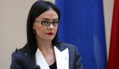 """Kosovska ministarka: Vučiću neće biti dozvoljena poseta """"dok se ne izvini za genocid"""" 7"""