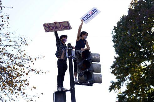 Bajden osvojio dovoljno glasova za pobedu na predsedničkim izborima u SAD (FOTO) 10