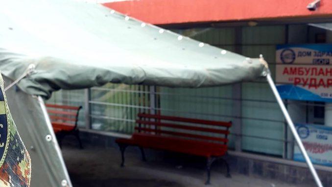 Bor: Postavljeni šatori u krugu bolnice i ispred kovid ambulante 4