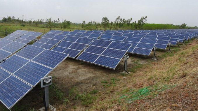 Solarni paneli iznad irigacionih kanala u Indiji – dvostruka korist 1
