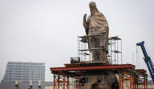 Otkriven spomenik Stefanu Nemanji ispred Železničke stanice 9