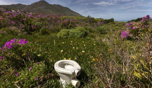 Više ljudi na svetu ima pristup mobilnim telefonima nego toaletima 5
