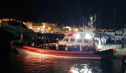 Četiri trudne žene među stradalim migrantima kod obale Tunisa 1