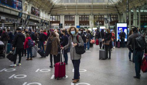 U Parizu danas gužva pred početak karantina zbog korona virusa 1