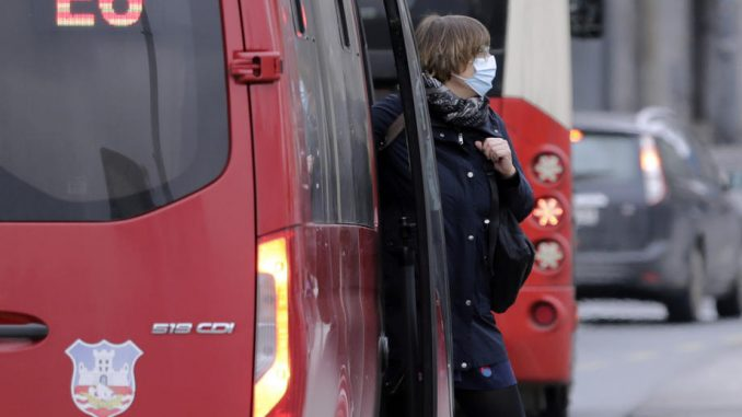 Redukcija polazaka gradskog prevoza na 74 linije u večernjim satima 1