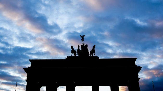 Nemački tužioci traže doživotnu kaznu za antisemitskog napadača koji je ubio dve osobe 5