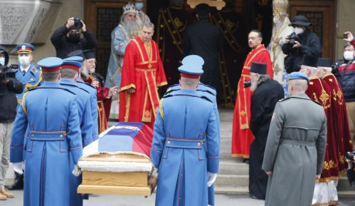 Vojska Srbije ispraća patrijarha Irineja 10