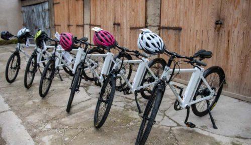 GIZ: 58 električnih bicikala za negovateljice 2