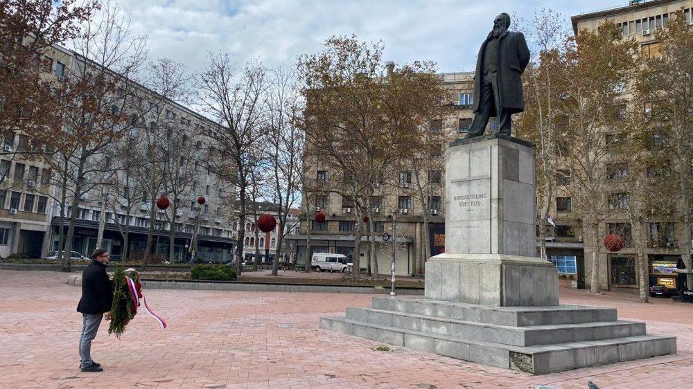Sekretar grada Beograda za kulturu položio venac na spomenik Nikoli Pašiću 1