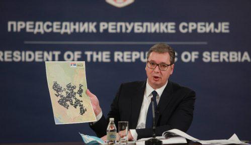 Vučić sledi Putina, a hvali Si Đinpinga 14