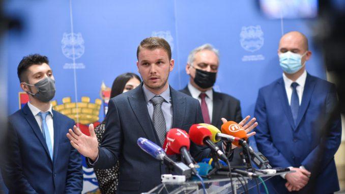 Posle zemljotresa kod Zagreba i građani Banjaluke na ulicama, saobraćajni kolaps 5