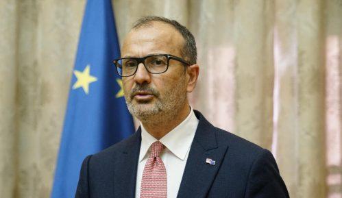 Borko Stefanović trebalo da se obrati ustanovama u Briselu 11