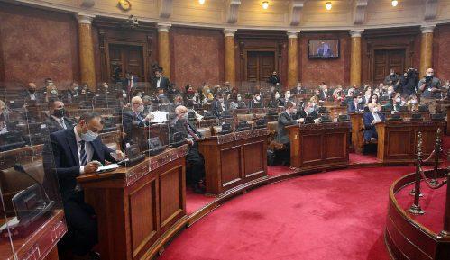 Parlament pretvoren u Pink Zadrugu na RTS-u 1